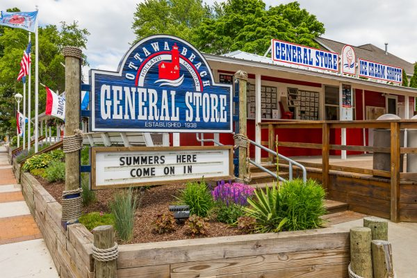 Ottawa Beach General Store